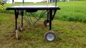 der-roboter-eco-robotix-im-einsatz-am-bio-ackerbautag-2016