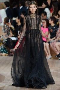 06-Valentino-Haute-Couture-Fall-2015