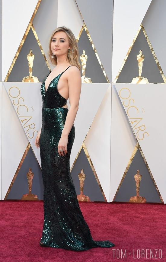 Saoirse-Ronan-Oscars-2016-Red-Carpet-Fashion-Calvin-Klein-Tom-Lorenzo-Site-5
