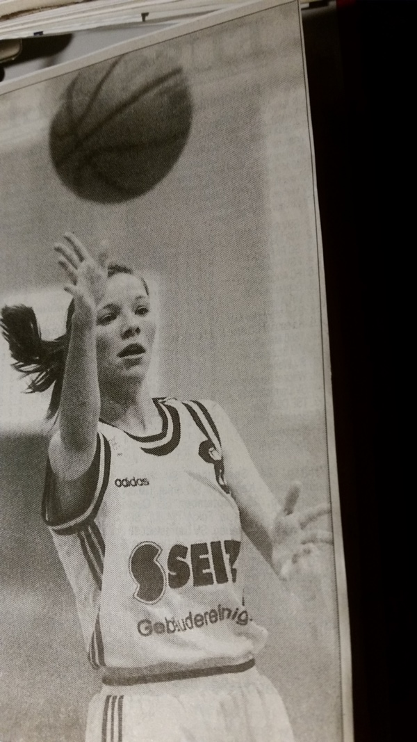 34.-3 Saison, 1999-00, Silke Heger immer in action