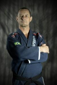综合格斗,阿尔尼斯,巴西柔术和跆拳道教练