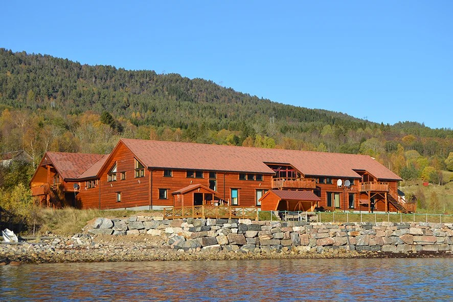 Rent apartments.  Fishing & Hiking in Romsdalsfjorden