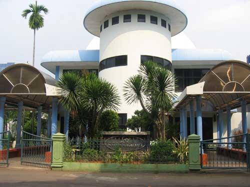 Planetarium & Observatorium Jakarta. Kredit : Pramesti