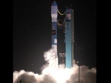 Peluncuran WISE. kredit : NASA