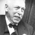 Ejnar Hertzsprung, salah satu pencipta Diagram Hertzsprung-Russell Diagram, memimpin Observatorium Leiden selama berobatnya de Sitter di Swiss. Sumber: www.daviddarling.info