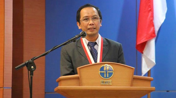 Penyampaian pidato oleh Prof. Thomas setelah mendapatkan penghargaan Sarwono. Kredit: LIPI