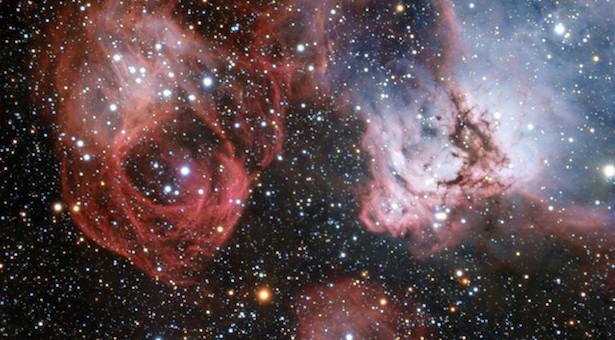 Foto ini memperlihatkan awan warna-warni gas dan debu bernama NGC 2035 (di sebelah kanan) atau Nebula Kepala Naga. Kredit: ESO.