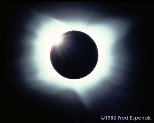 Gerhana Matahari Total 11 Juni 1983. Kredit: Fred Espenak