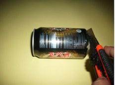 Langkah-langkah untuk mendapatkan aluminium foil dari kaleng minuman bekas.Kredit: Aldino Adry Baskoro