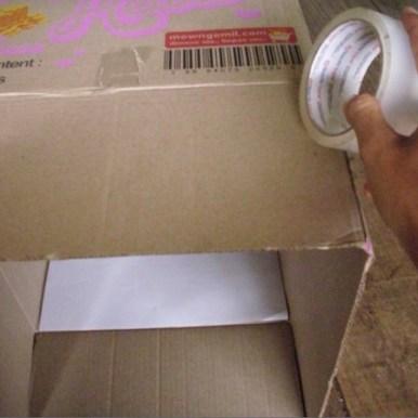 Model kedua dari kamera lubang paku didesain agar kepala pengamat dapat masuk ke dalam kotak. Kredit: Aldino Adry Baskoro