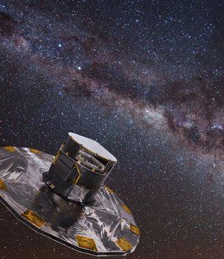 Ilustrasi Gaia yang mengamati dan memindai bintang-bintang di galaksi Bima Sakti. Kredit: ESA/ATG medialab; latar belakang: ESO/S. Brunier