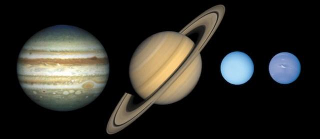 Planet gas raksasa dan planet es raksasa. Kredit: NASA