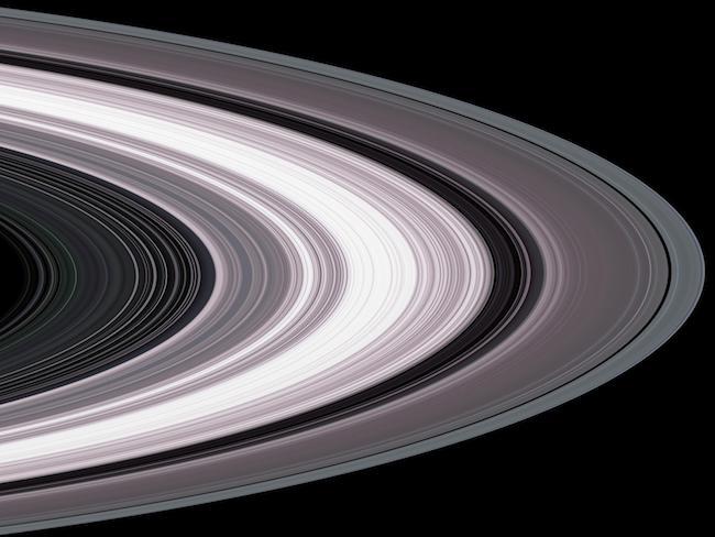 Cincin Saturnus dalam pandangan Cassini. Kredit: NASA/JPL