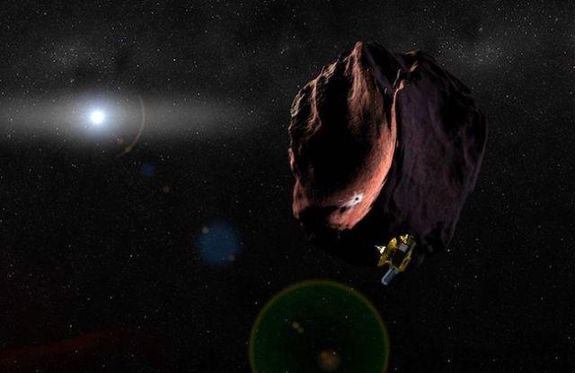 Ilustrasi New Horizons saat terbang lintas dengan 2014 MU69. Kredit: NASA