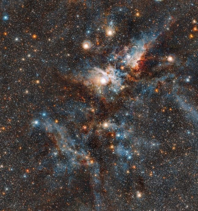Citra Nebula Carina yang dipotret oleh Teleskop VISTA dari Observatorium Paranal. Kredit: ESO/J. Emerson/M. Irwin/J. Lewis