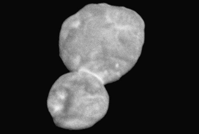 Utima Thule dipotret New Horizons dari jarak 28.000 km. Kredit: NASA/Johns Hopkins University Applied Physics Laboratory/Southwest Research Institute