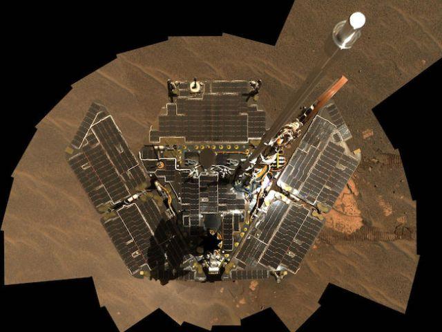 Swafoto Opportunity di Mars yang disusun dari beberapa citra. Kredit: NASA/JPL-Caltech/Cornell