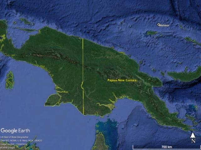 Gambar 1. Lokasi terdeteksinya meteor-terang 9 Januari 2014 di lepas pantai utara pulau Irian. Peta berdasarkan Google Earth dikombinasikan dengan data NASA Astrophysics Data System.