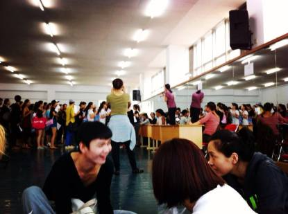 American Dance Festival Henan Summit participants in line for class registrations at Henan Normal University, Xinxiang, 9 August 2014. Photo © Lee Choy Wan