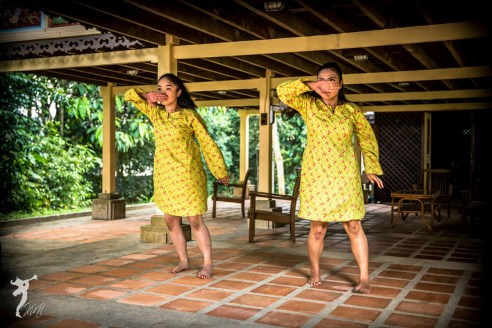 "Nor Hidayah [left] and Siti Noorliyanti in ""She Simply Disappears"", Dancing in Place 2015, Rimbun Dahan, Kuang, 31 January, 2015. Photo © Marvin M Kho"