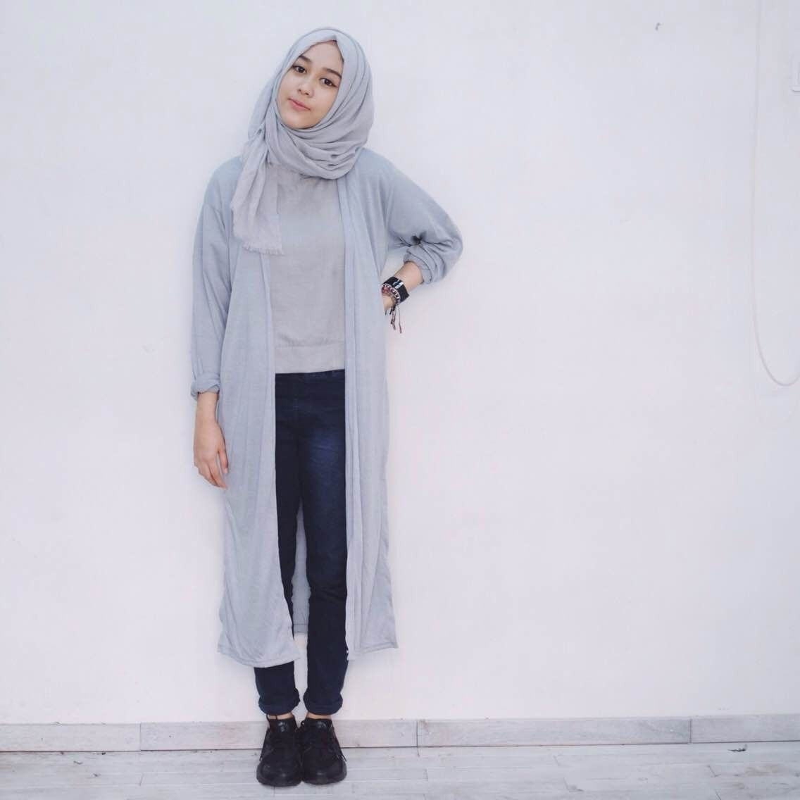 7 contekan gaya baju muslim casual keren tapi tetap sopan
