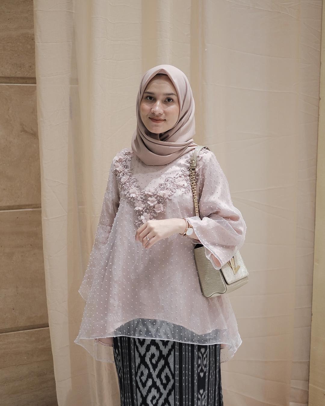 baju kondangan simple hijab dengan organza cantik