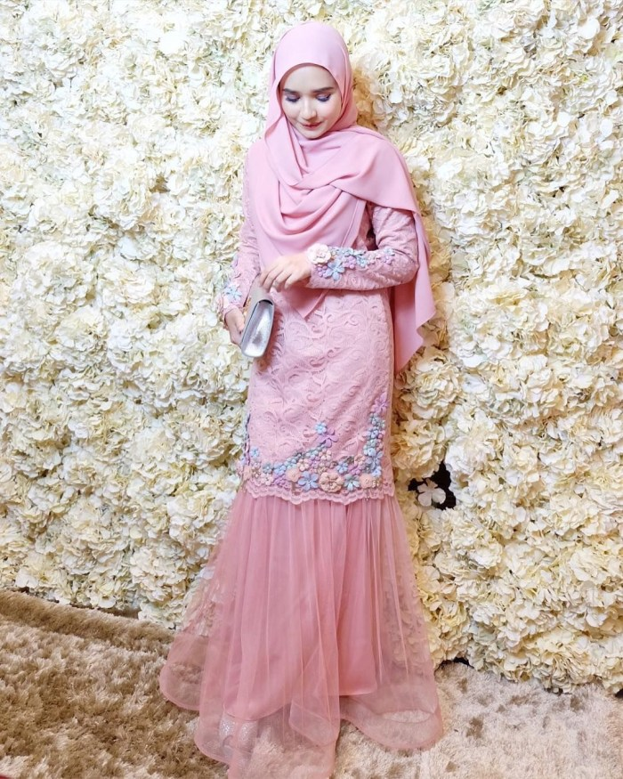 Dress kebaya warna dusty pink