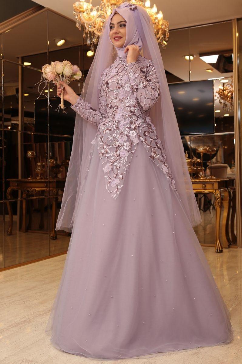 Gaun cantik warna soft