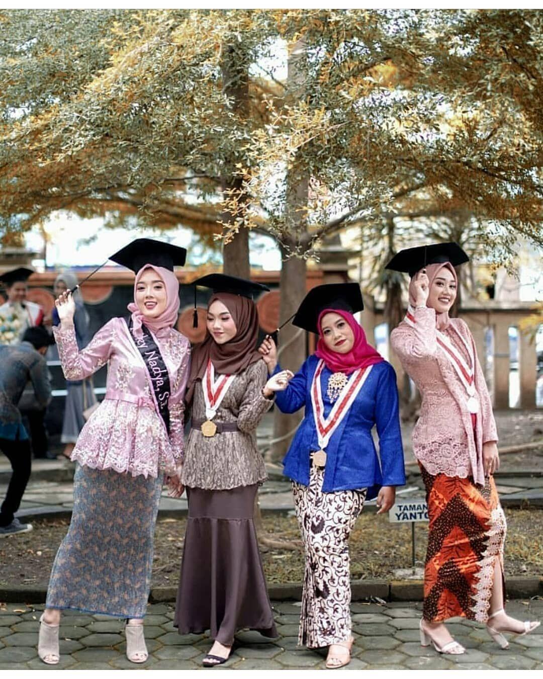 kebaya wisuda modern hijab dengan beberapa gaya