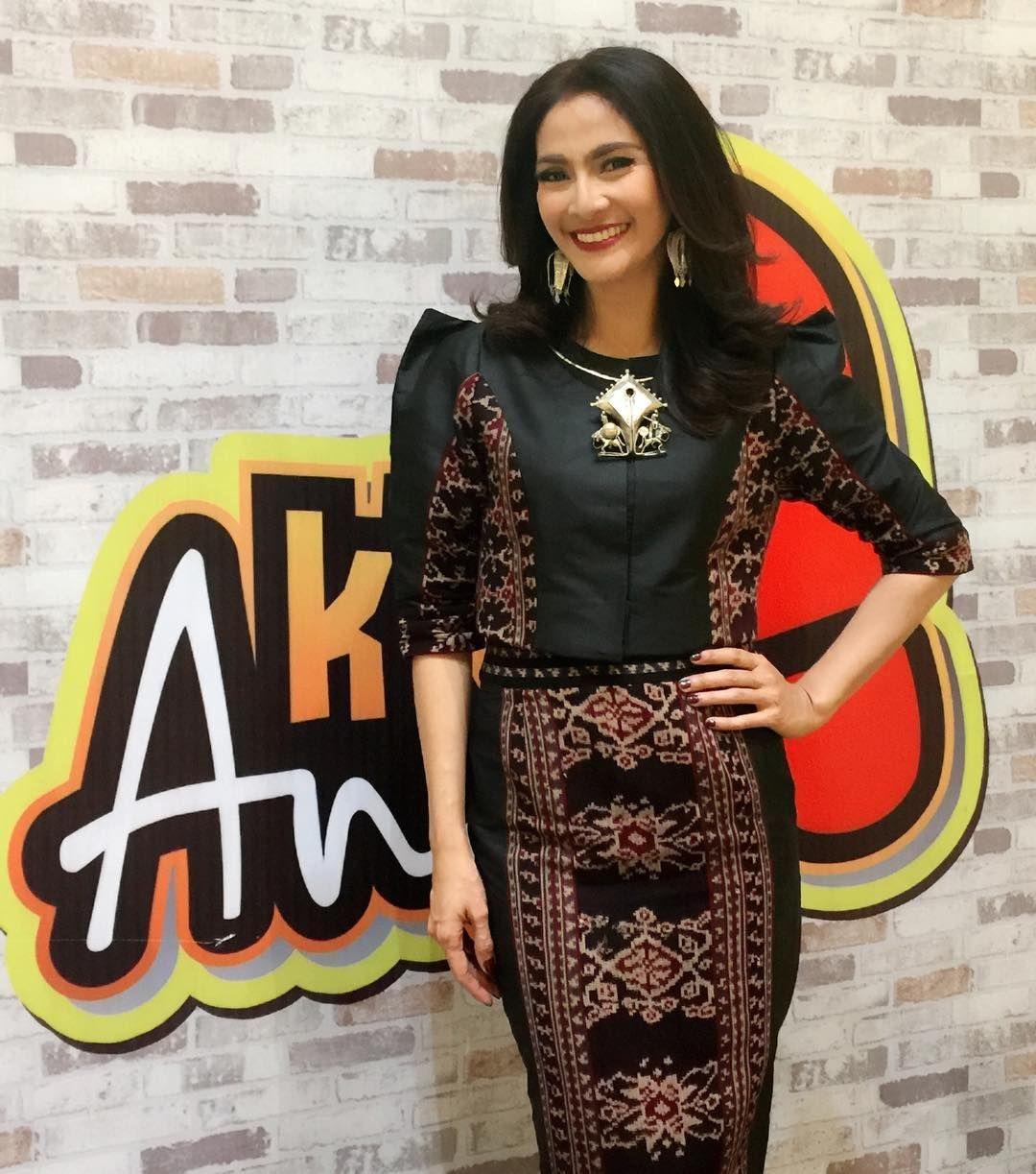 Ratih Utami pakaian batik