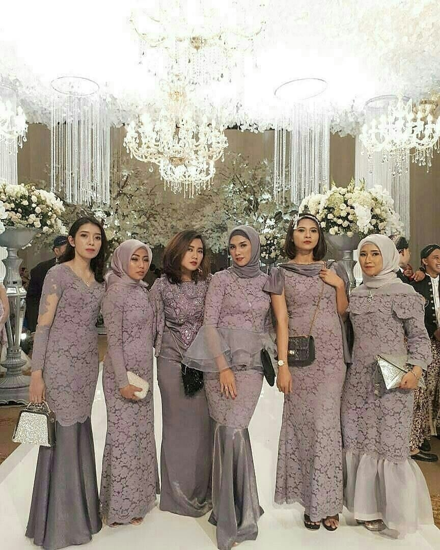 Seragam bridesmaid elegant