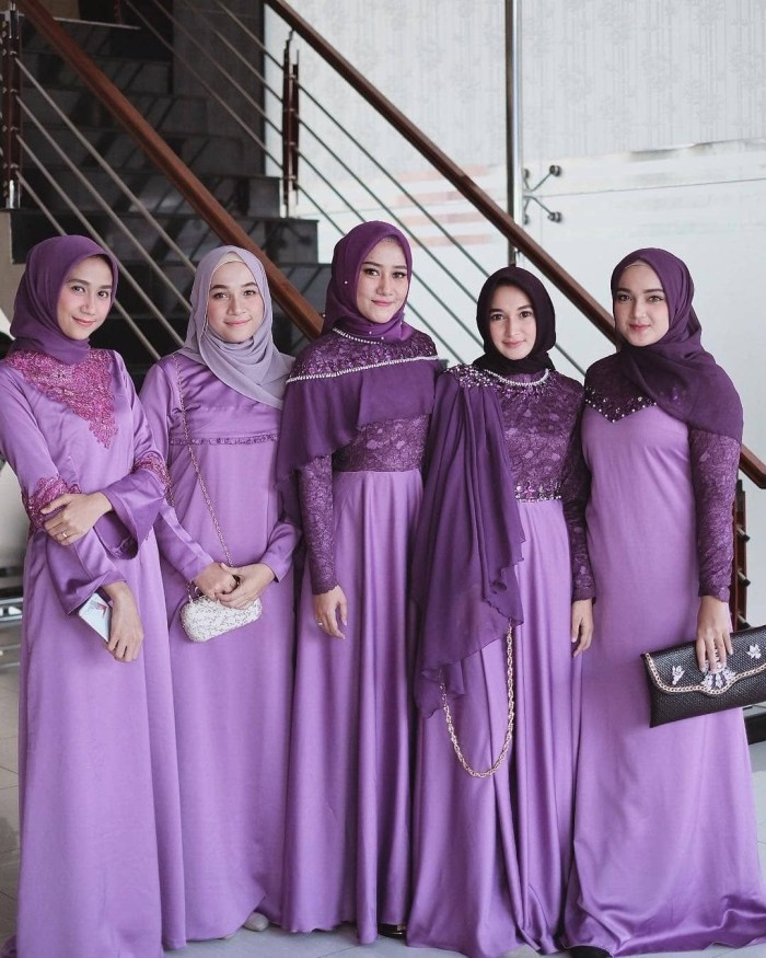 Seragam bridesmaid warna ungu