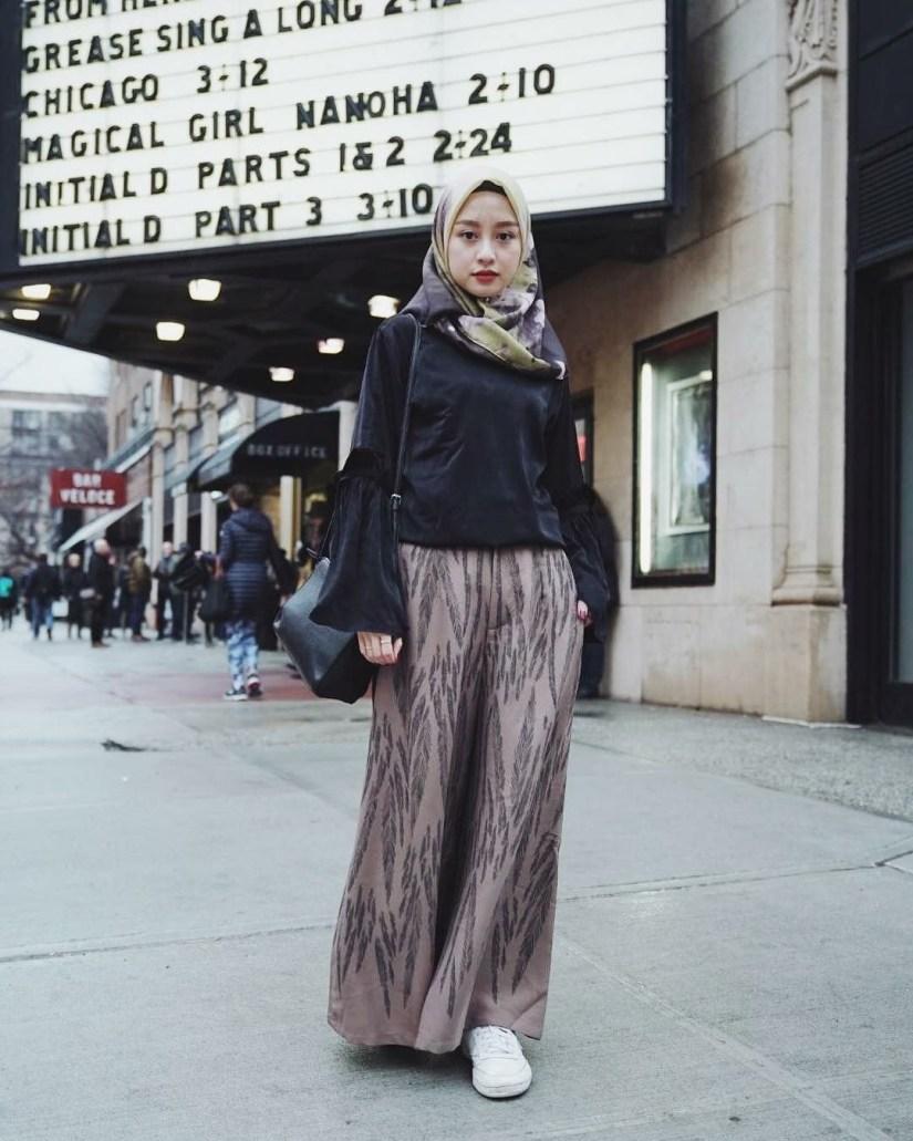 Style baju hijab simple dengan tema dark