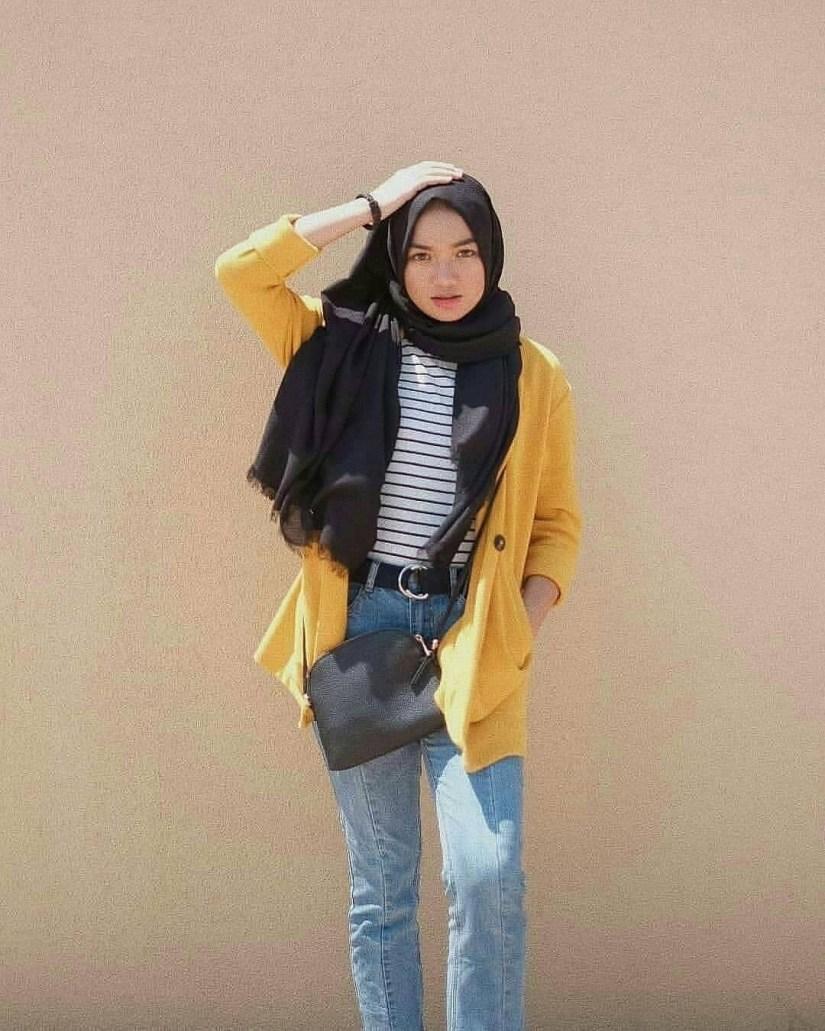 Style baju hijab simple yang terkesan tomboy