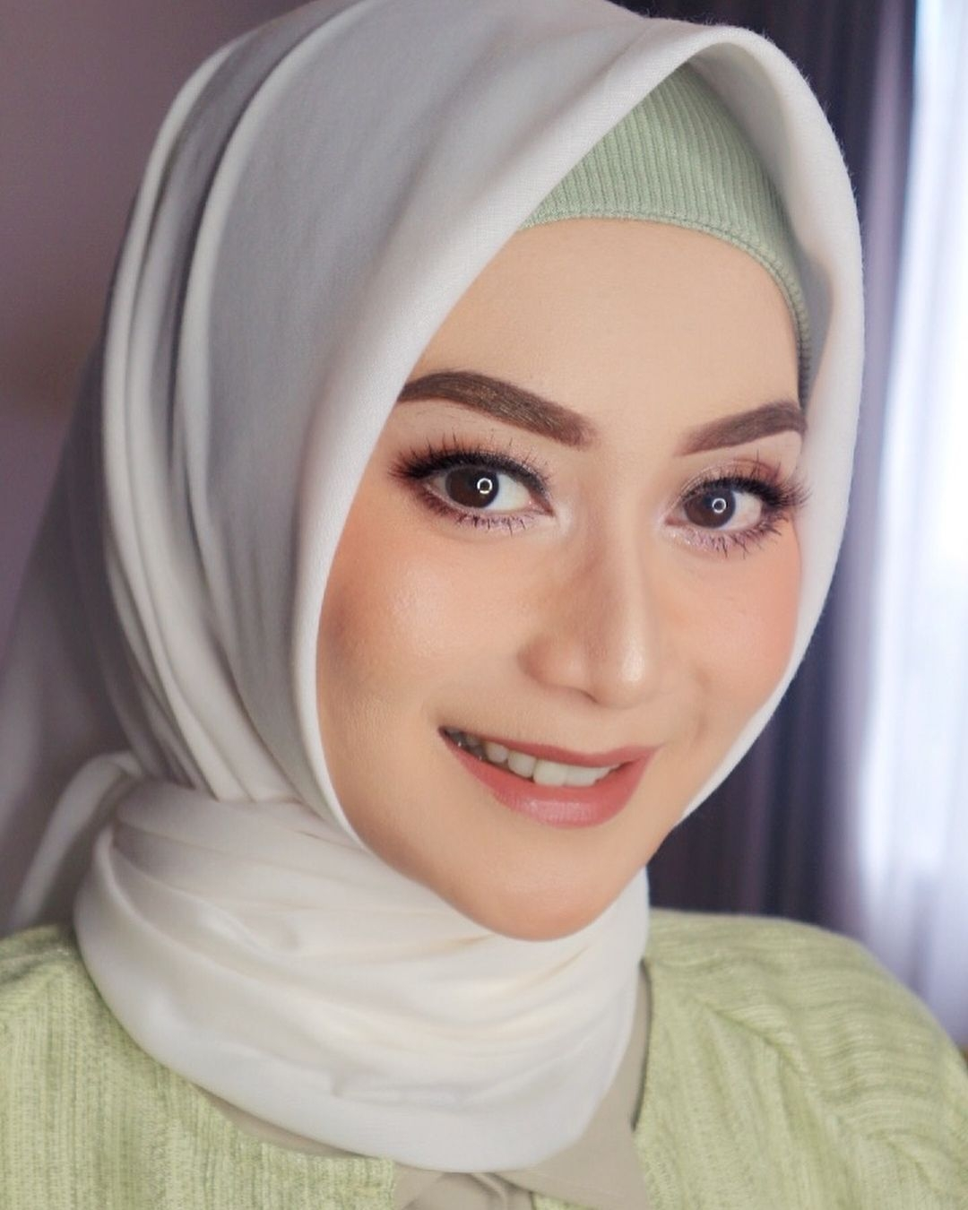 Tutorial make up natural hijab yang flawless