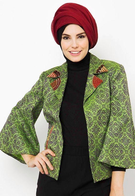 contoh model blazer batik muslimah lengan panjang untuk