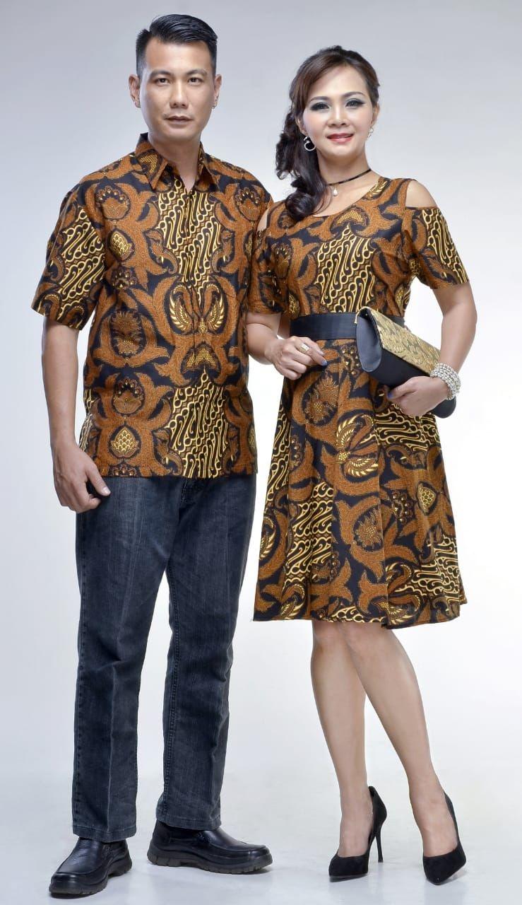 ide model baju batik couple untuk natal yang wajib kamu