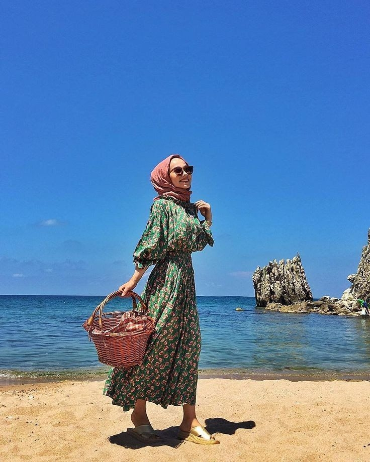 ootd hijab untuk ke pantai di 2020 pakaian pantai