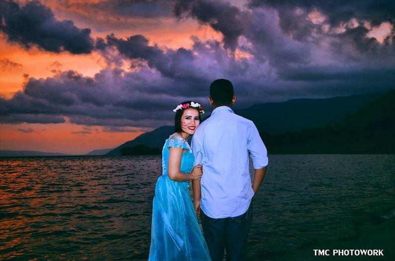 7 foto pre wedding di danau toba keren banget