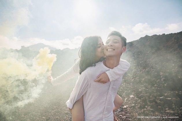 ciuman pelukan foto prewed mesra putri titian junior