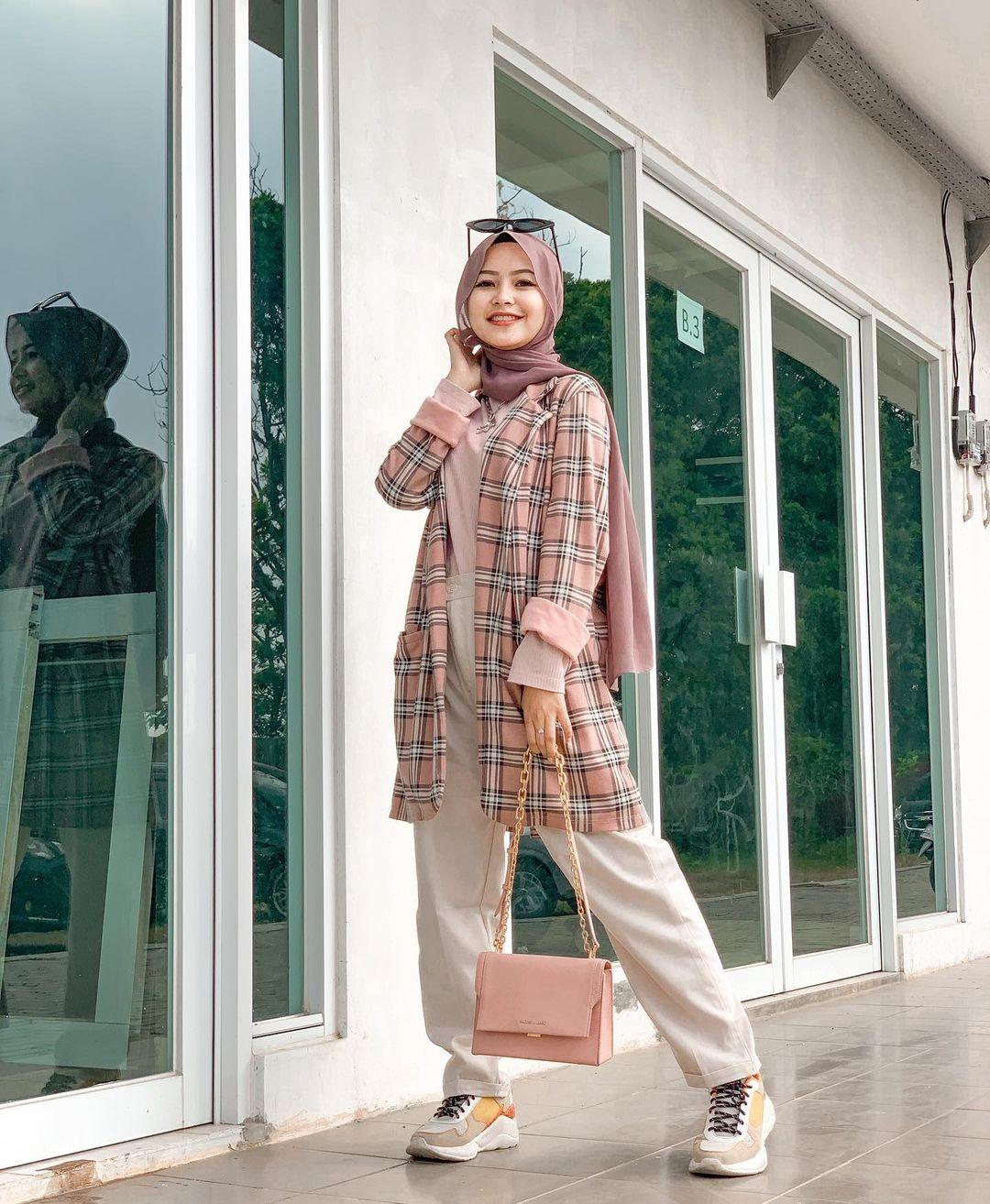 ootd hijab remaja ala selebgram deva ayu setia putri