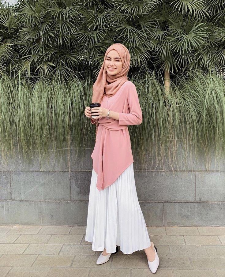 pin dariah on fashion accordion skirt hijabi fashion