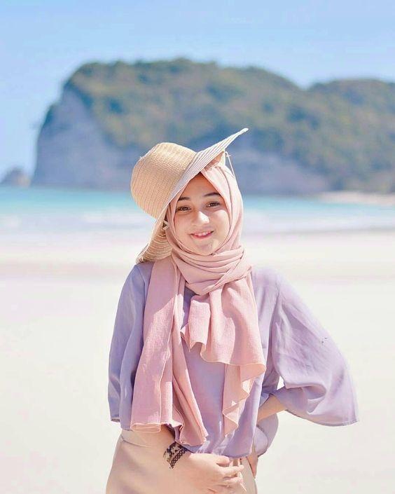walaupun di pantai wanita muslimah juga boleh kelihatan