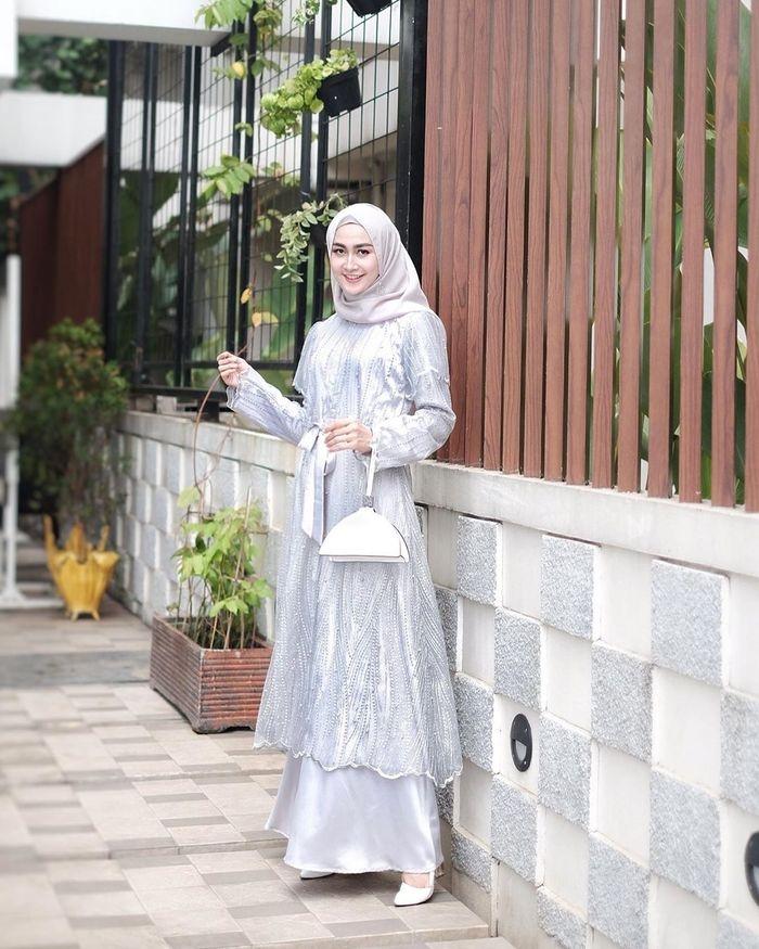 5 model kebaya hijab kekinian yang mewah untuk dipakai