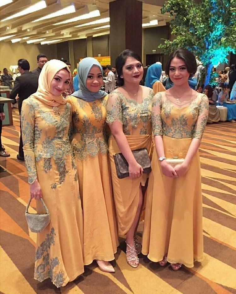 beautiful baju seragam keluarga untuk pesta pernikahan