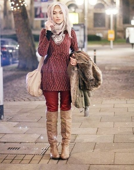 dress hijab dan sepatu boot bikin kamu tambah modis