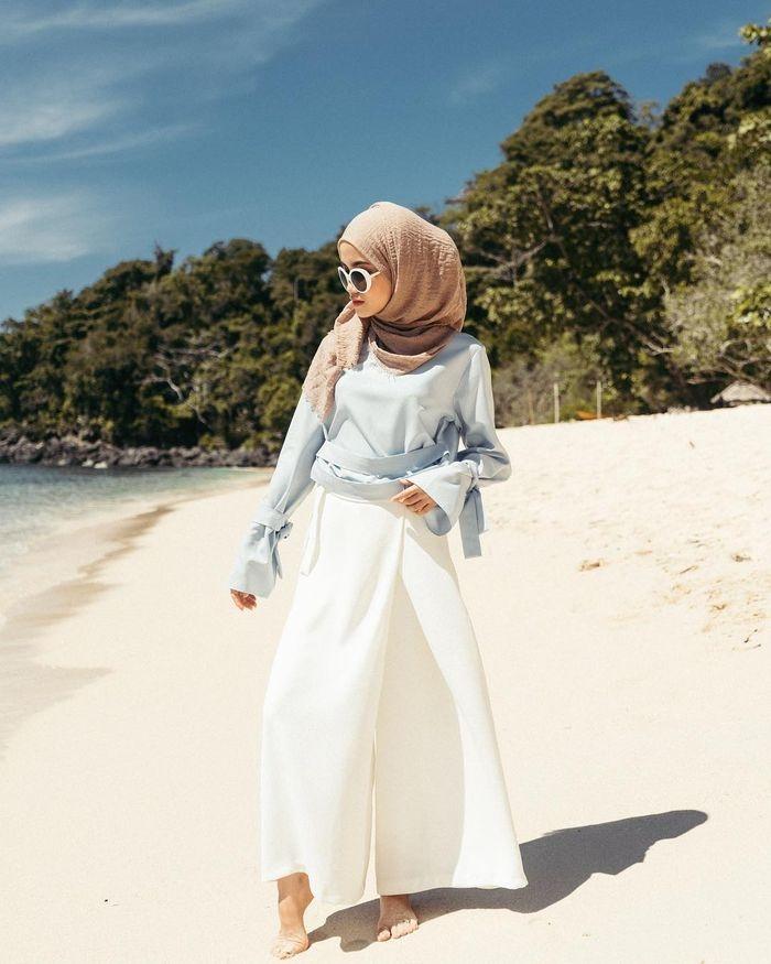 inspirasi fashion hijab cara mix and match warna pastel