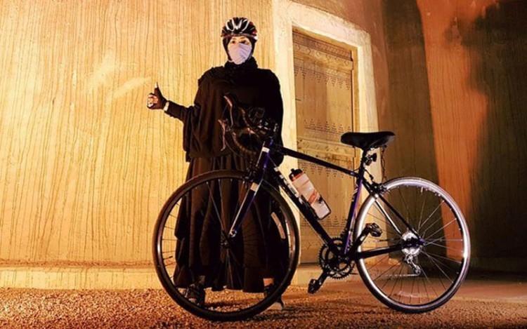 mendobrak kultur komunitas sepeda di arab saudi khusus