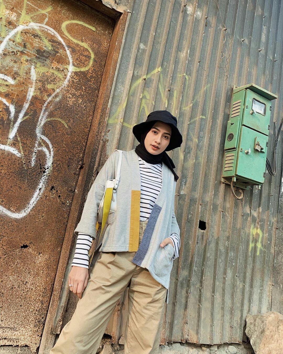 pin oleh di ootd hijab casual hijab outfit pakaian