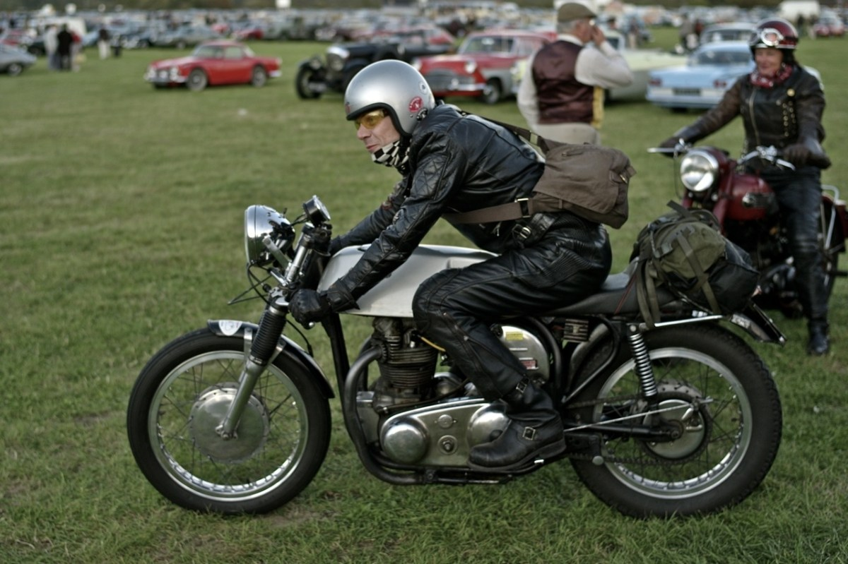 southsiders mc at the goodwood vintage revival return of